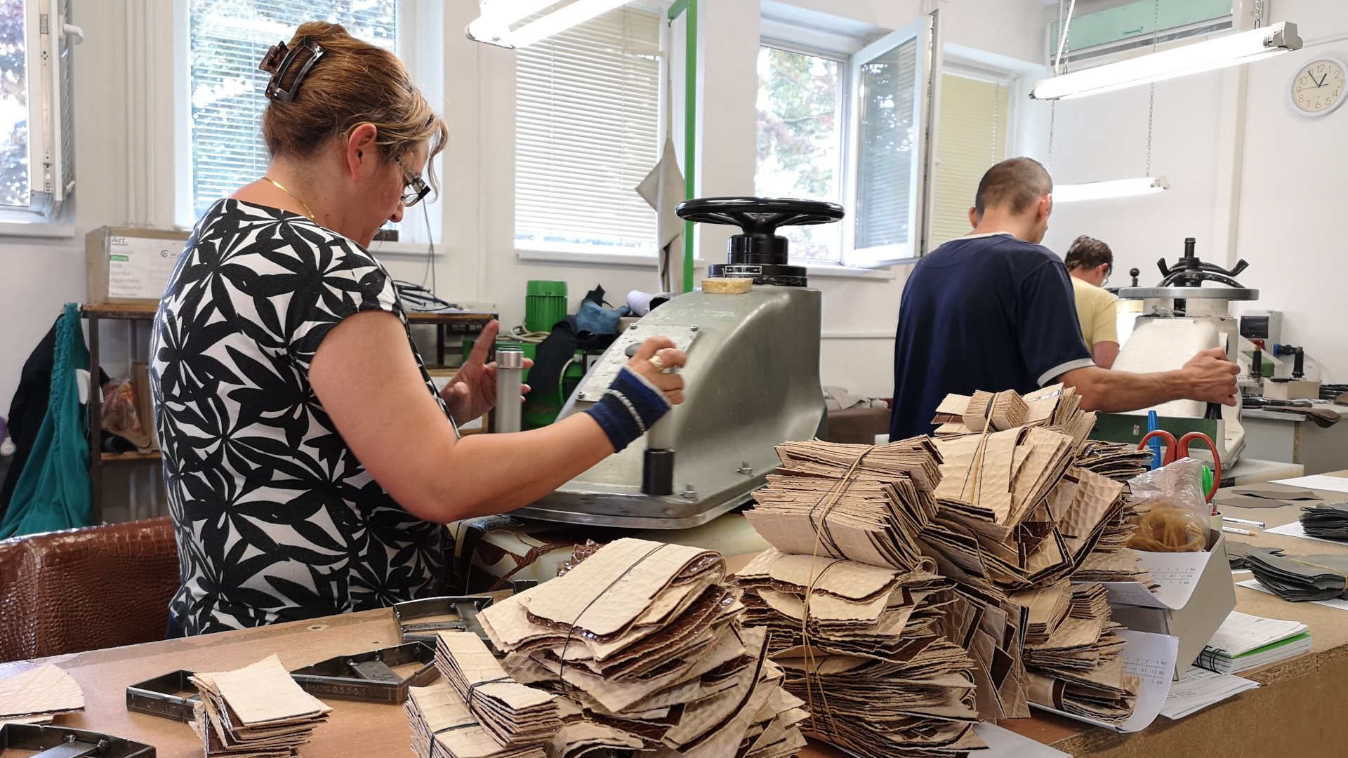manufacturing upper footwear, women's footwear industry