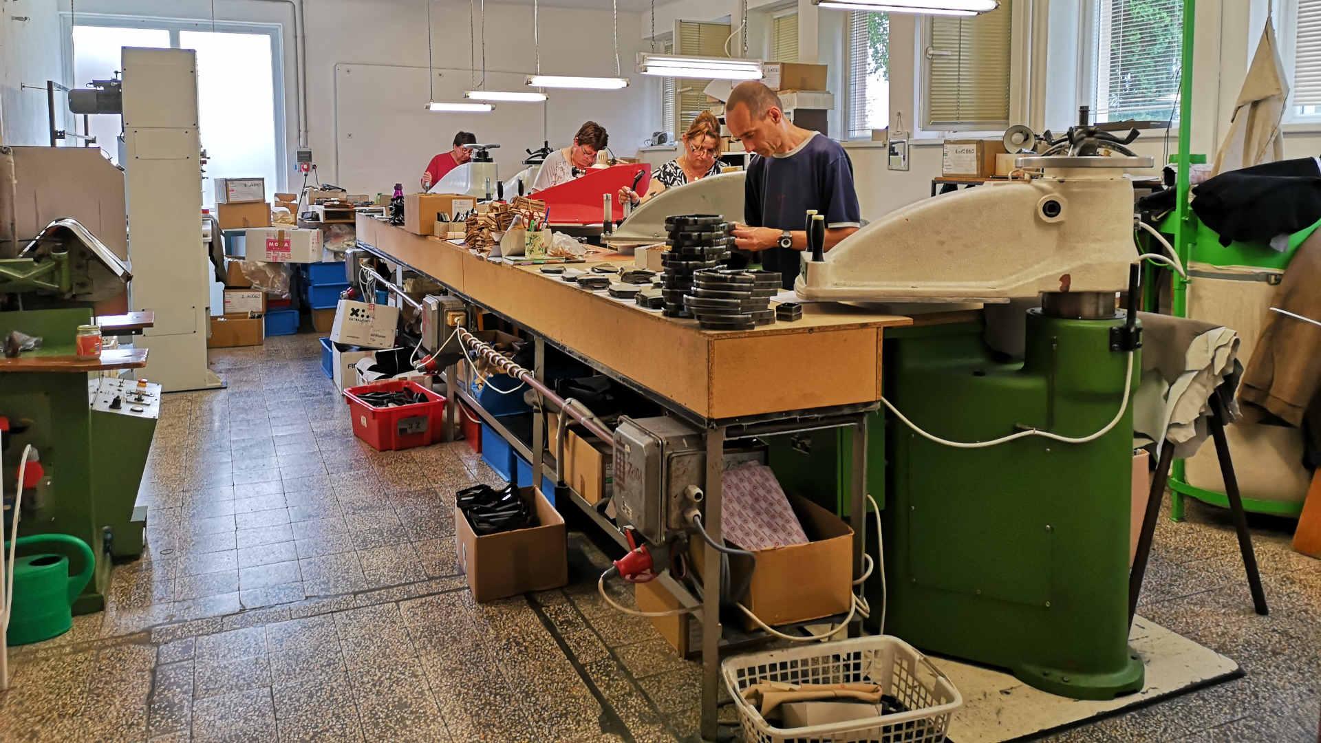cipőfelsőrész gyártás